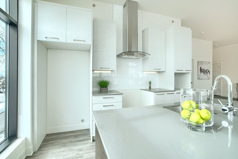 Comptoir de quartz - 6150, Davis, appartement 409